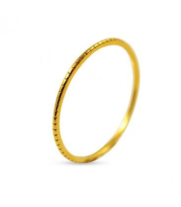 Tiny Ring wit scratch pattern