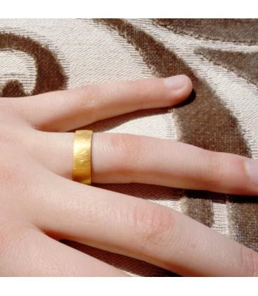 classic yelllow gold ring