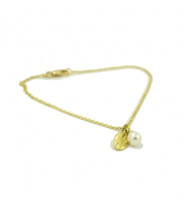 Pearl Bracelet Gold with Leaf Pendant
